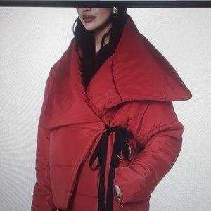 NWOT Romeo & Juliet Courture red nylon coat